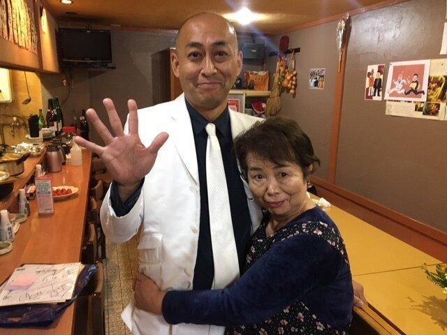 母と撮影.JPG