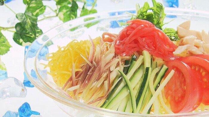 冷し麺カット.jpg